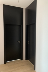 VECTOR T - Lak- čierna s level panelom