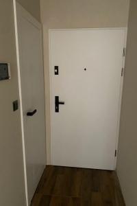 Vchodové dvere Granit  - Biela